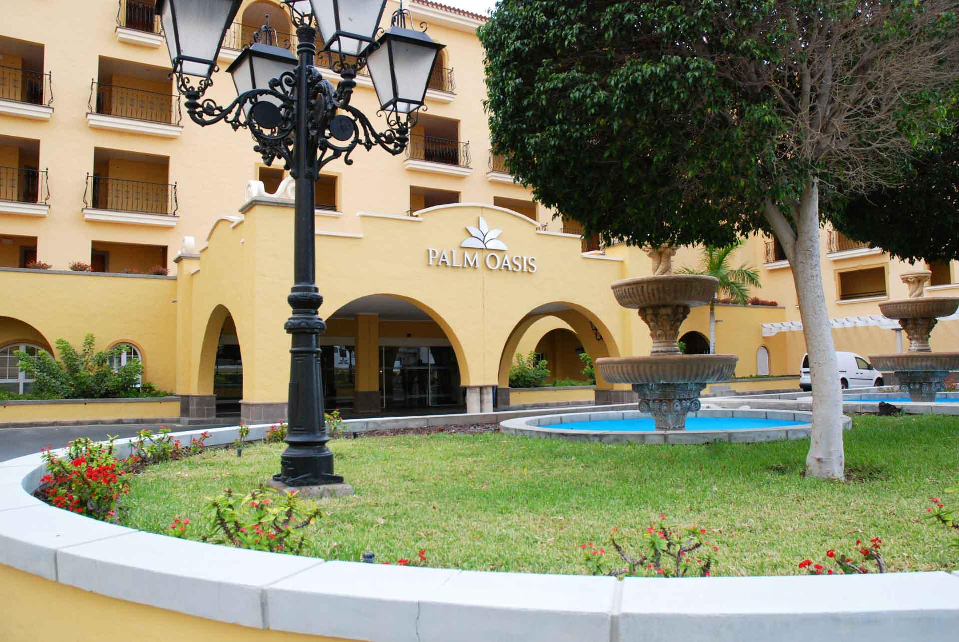 Instalaciones térmicas de aplicación ACS y climatización de piscina en Hotel Palm Oasis