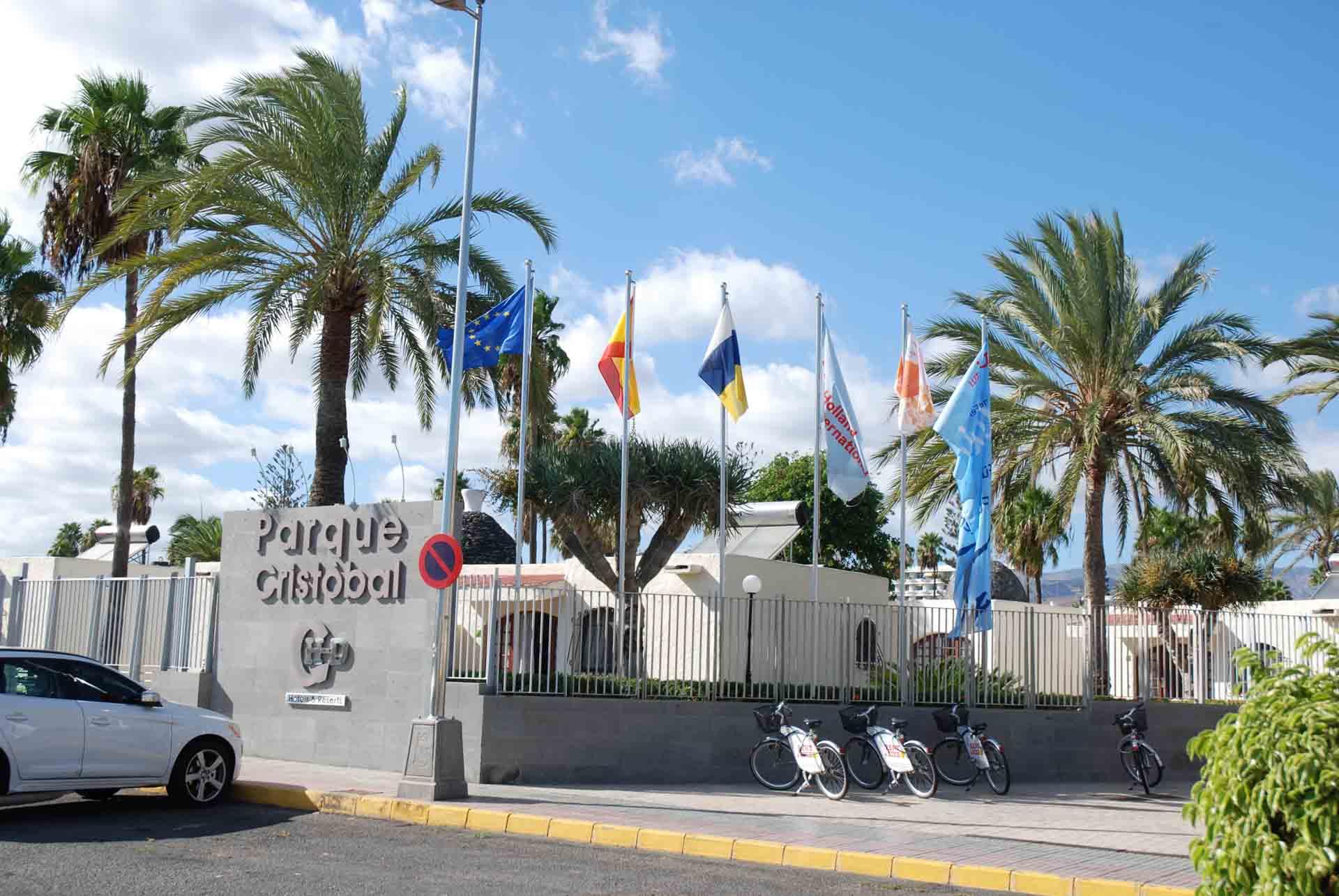 EST para producción de ACS y climatización de piscinas en Bungalows Parque Cristóbal Tenerife