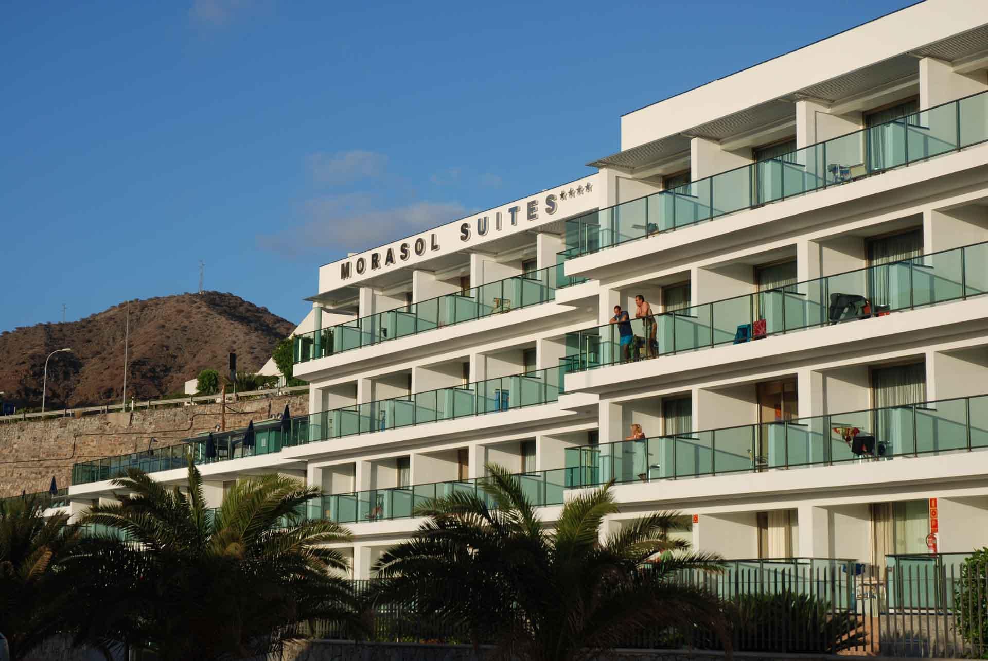 Calderas, acumuladores, intercambiadores para ACS en Hotel Morasol Suites