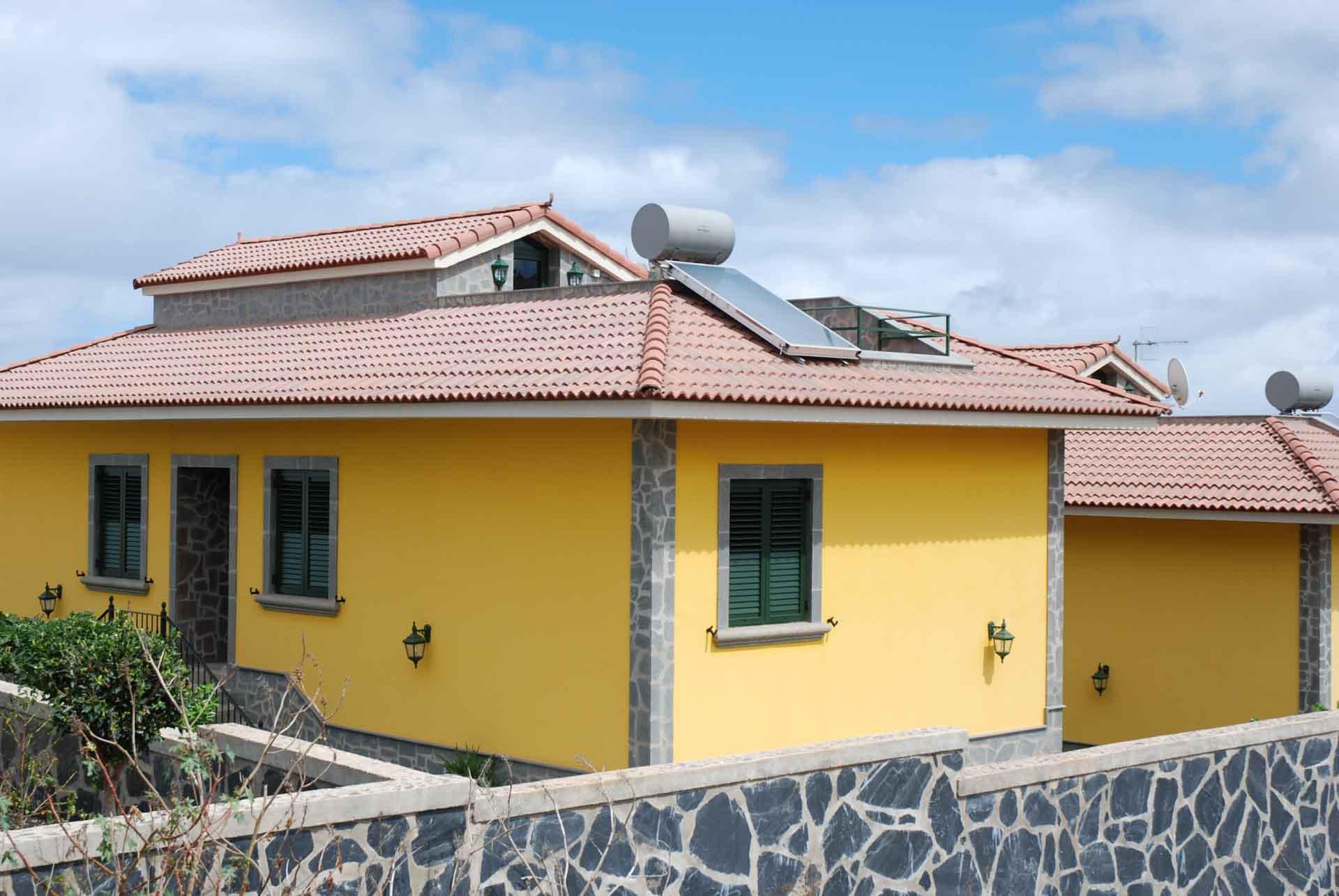 Energía solar térmica y producción de Agua Caliente Sanitaria en residencial Caseríos de Itara