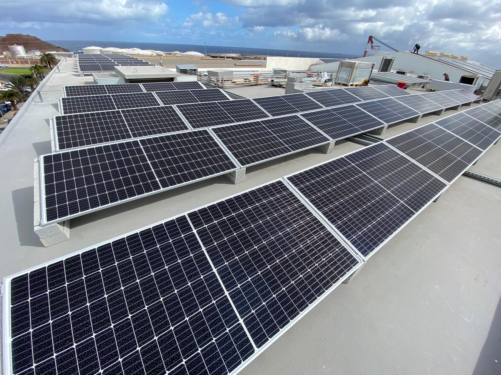 Planta fotovoltaica de 100 kW en régimen de autoconsumo de energía a empresa de suministros navales