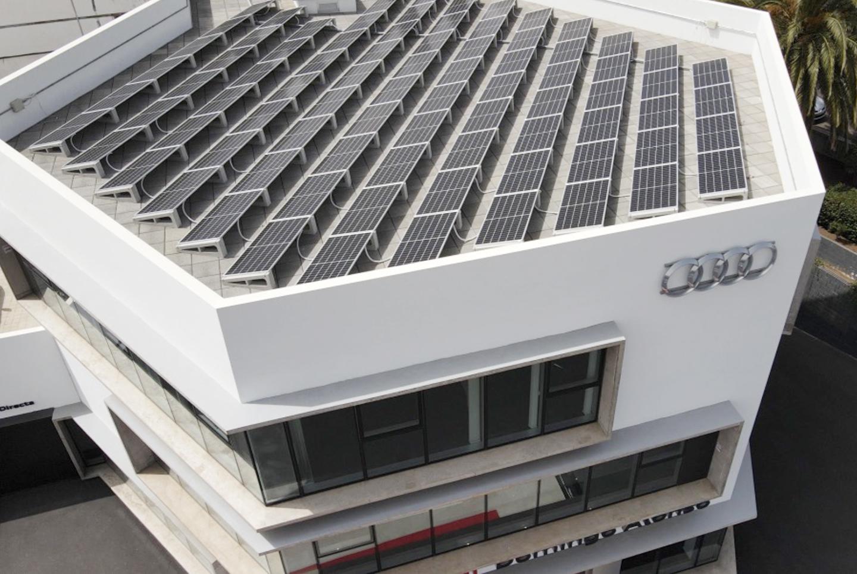 Planta fotovoltaica de 30 kW en régimen de autoconsumoo de energía y suministro a movilidad eléctrica para concesionario Audi y WV de Domingo Alonso Tenerife