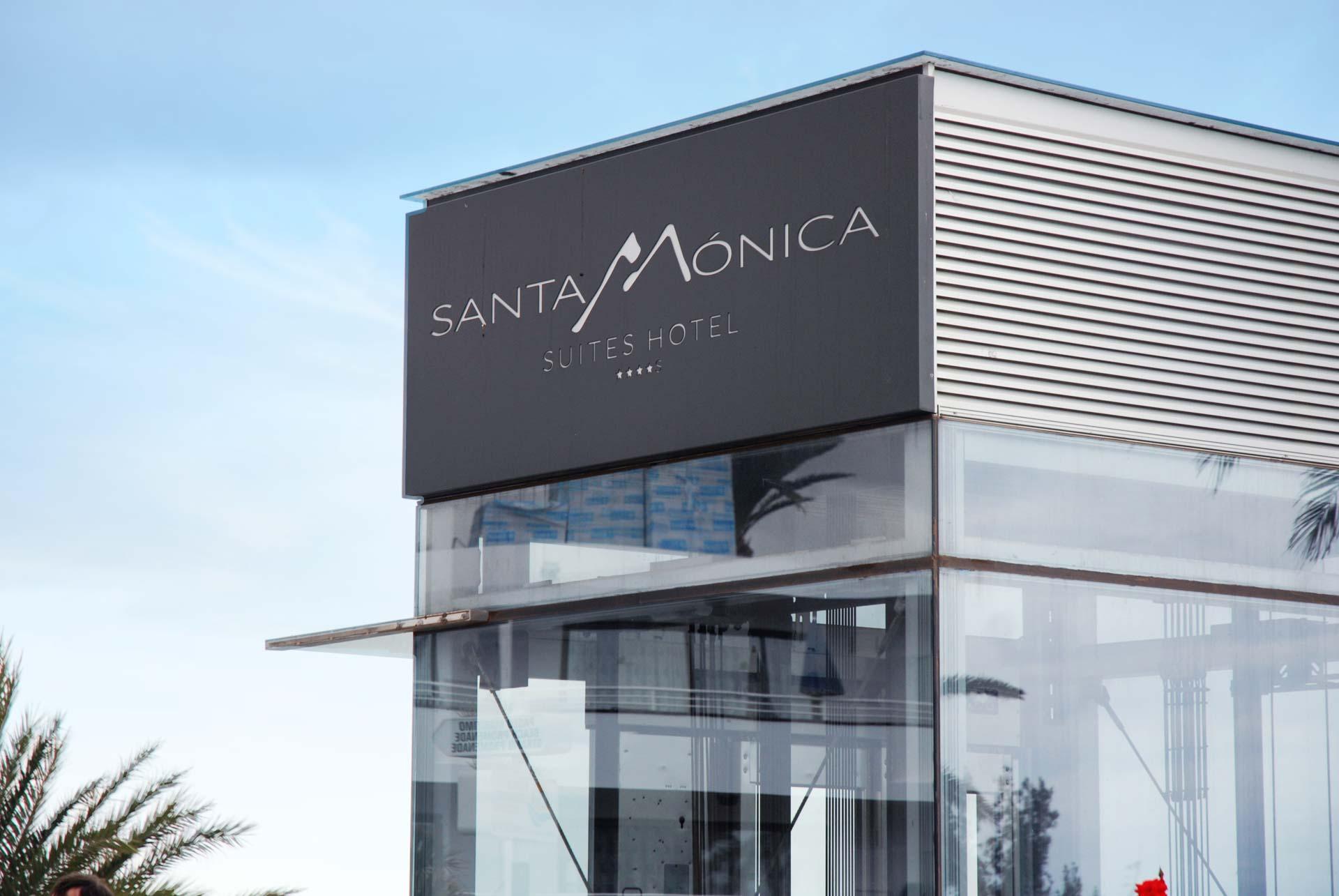 Renovación integral de instalaciones de aire acondicionado, ACS y piscinas en complejo de apartamentos que sube de categoría a hotel 4 *