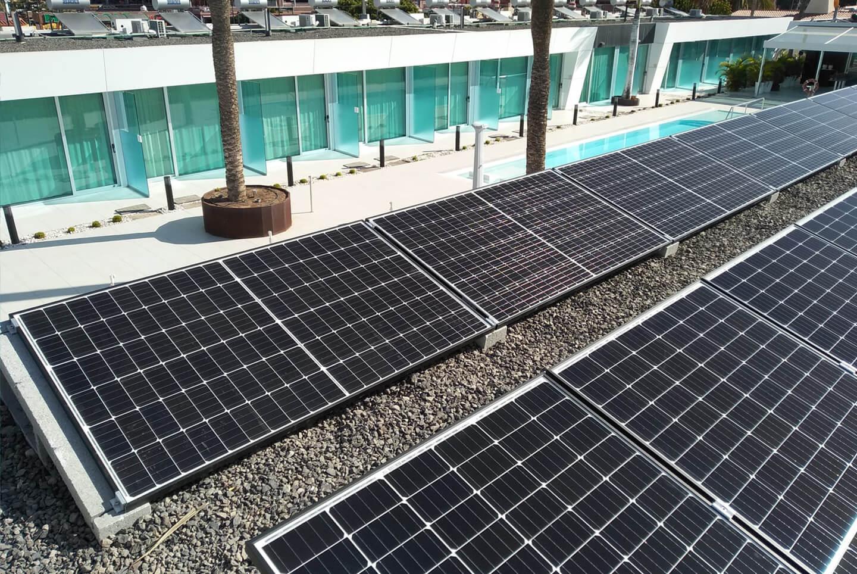 Sistema de generación eléctrica mediante la implantanción de planta fotovoltaica de autoconsumo en Hotel Nayra